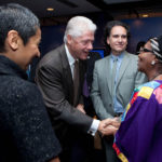 Bill Clinton meets Edna at CGI 2009